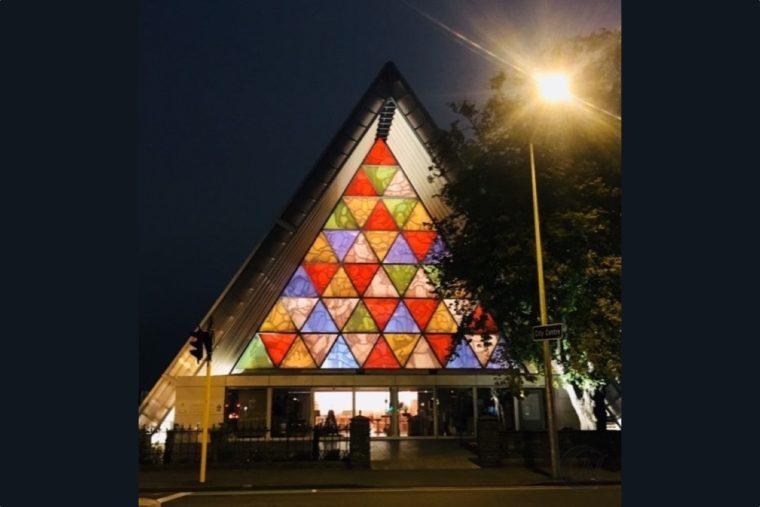 坂茂氏設計の仮設大聖堂
